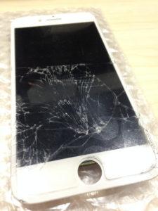 アイフォン7液晶パネル割れ